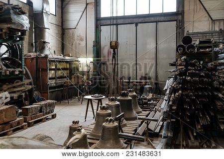 Bell Manufacturing Little Factory Indoor View, Metal Manufacturing
