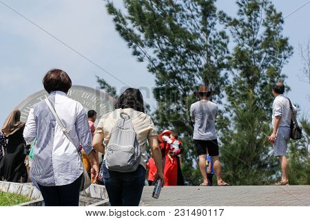 Kudat,sabah,malaysia-feb 3,2018:group Of Tourist Visit The Tip Of Borneo In Kudat,sabah.its Located