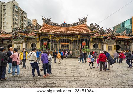 The Tourists At Longshan Temple In Taipei, Taiwan