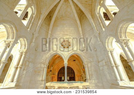 Alcobaca, Portugal - August 15, 2017: Renaissance Water Basin Within The Gothic Fountain House In Th
