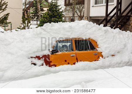 Car Parking Under Under A Pile Of Snow