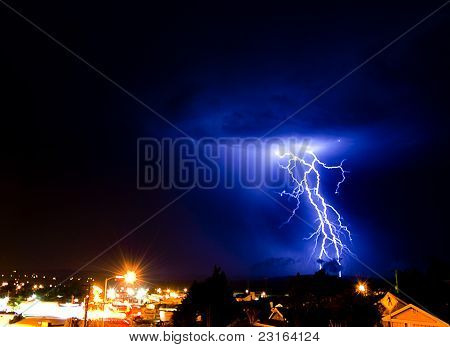 lompoc lightning twin strike