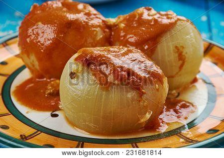 Dolma Mahshi  - Iraqi Stuffed Onions With Nuts, Lamb And Couscous