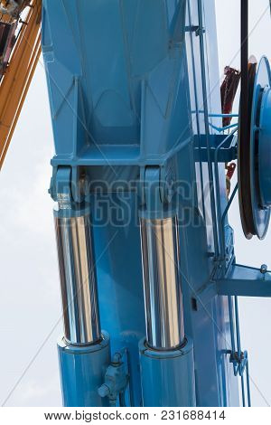 The Hydraulic Tube Of Crane ; Selective Focus