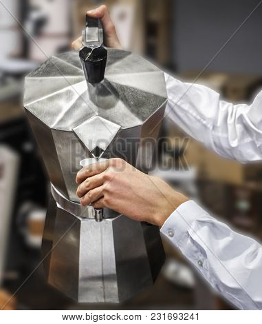 Pour Moka Pot Coffee Cafeteria Service Background .