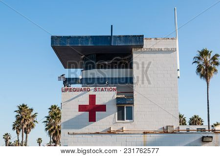 San Diego, California/usa - February 3, 2018:  A Morning View Of The Lifeguard Station At Ocean Beac