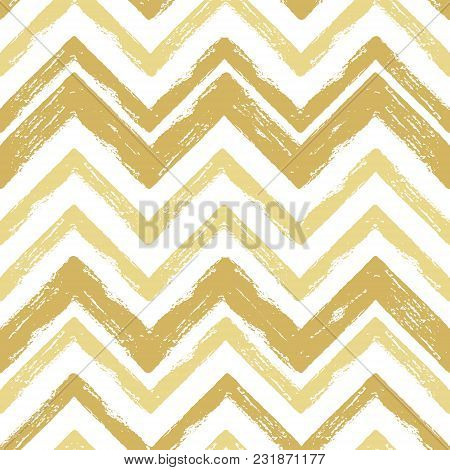 Hand Drawn Gold Ink Abstract Striped Seamless Pattern. Vector Grunge Texture. Paint Brush Zigzag On