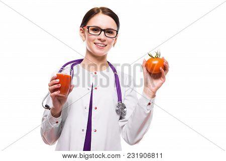 Portrait Of Young Attractive Caucasian Brunette Positive Friendly Smiling Woman Nutritionist Standin