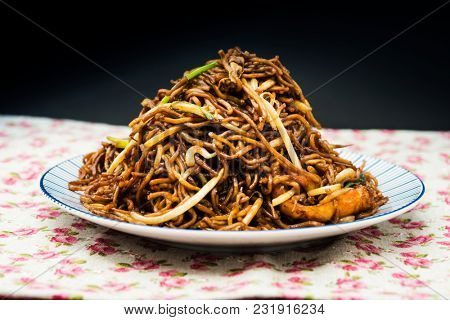 asian food fried noodle on the table