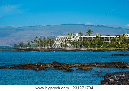 Mauna Lani Bay, Hawaii - January 5, 2018: Mauna Lani Bay Hotel Is Located Directly On The Small Beac