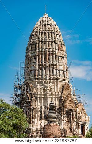 Wat Ratchaburana Temple, Prang Ruins In Ayutthaya. Unesco World Heritage Site. Thailand