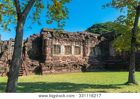 Meru Brahmathat. This building is locate 100 metres to the southeast of Prasat Phimai. It is the la
