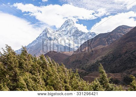 Ama Dablam Mountain. Trekking Everest Base Camp. Nepal.