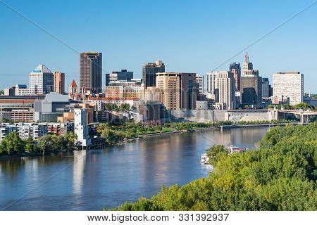 Saint Paul, Mn - September 23, 2019: St. Paul, Minnesota Skyline Along The Mississippi River
