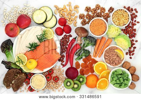 Low GI health food for diabetics with foods high in vitamins, minerals, anthocyanins, protein, antioxidants, smart carbs & omega 3 fatty acids. Below 55 on the GI index. Top view.