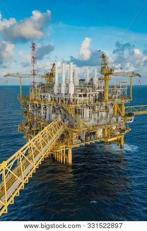 Offshore Oil And Gas Construction Platform Where Produced Gases And Condensate Then Treat Raw Gas An