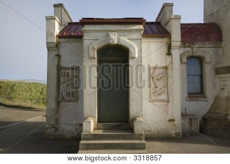 North Head Light House Entrance