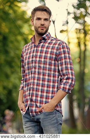 Man Wear Casual Style Shirt Having Bristle, Style