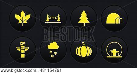 Set Canadian Totem Pole, Igloo Ice House, Cloud With Snow, Pumpkin, Christmas Tree, Capilano Suspens