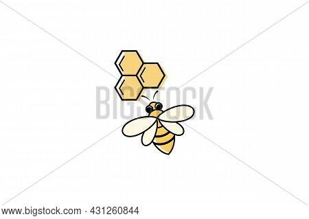 Bee Icon Isolated On White Background From Alternative Medicine Collection. Bee Icon Thin Line Outli