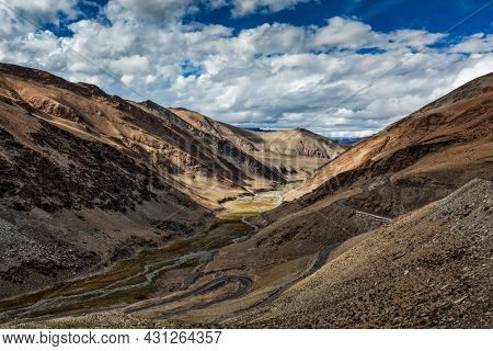 Himalayan landscape near Tanglang-La pass in Himalayas along Manale-Leh road. Ladakh, India