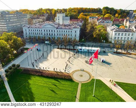 Vilnius, Lithuania - October 2020: Line Of People Standing Next To The Mobile Voting Point In The Lu