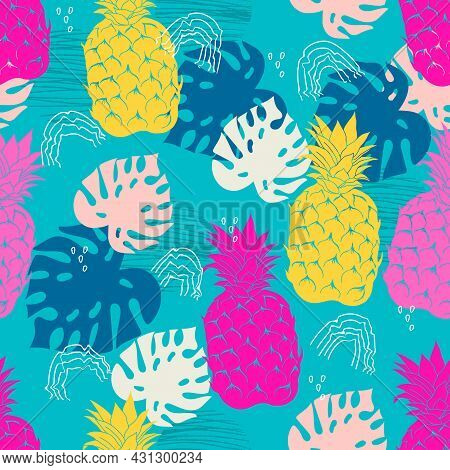 Tropical Bright Summer Seamless Pattern With Pineapples, Vector Illustration. Summer Pineapples Frui