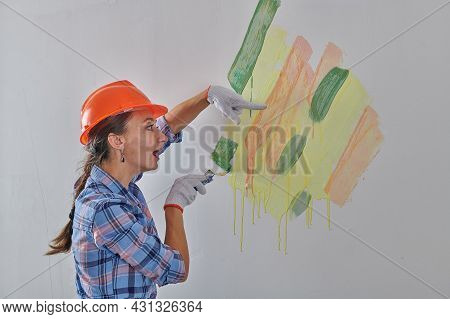 Shocked Designer Tries Colors For The Walls