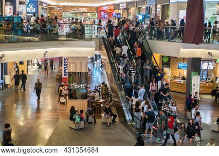 Kuala Lumpur,malaysia - September 16,2019 : Mid Valley Megamall Is A Shopping Mall Located In Mid Va