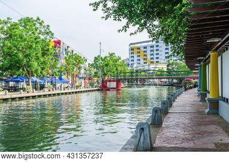 Malacca, Malaysia - April 21, 2019:  Riverside Scenery Along The Malaysia Malacca River, It Has Been
