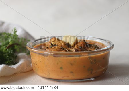 Butter Chicken. Chunks Of Grilled Or Tandoori Chicken Cooked In A Smooth Buttery And Creamy Tomato B