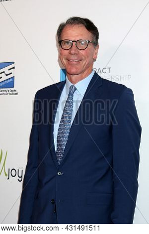 LOS ANGELES - AUG 20:  Kiki VanDeWeghe at the 21st Annual Harold and Carole Pump Foundation Gala at the Beverly Hilton Hotel on August 20, 2021 in Beverly Hills, CA