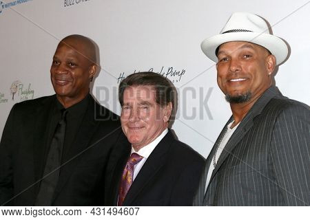 LOS ANGELES - AUG 20:  Darryl Strawberry, Steve Garvey, David Justice at the 21st Annual Harold and Carole Pump Foundation Gala at the Beverly Hilton Hotel on August 20, 2021 in Beverly Hills, CA