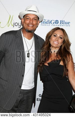 LOS ANGELES - AUG 20:  David Justice, Rebecca Villalobos at the 21st Annual Harold and Carole Pump Foundation Gala at the Beverly Hilton Hotel on August 20, 2021 in Beverly Hills, CA