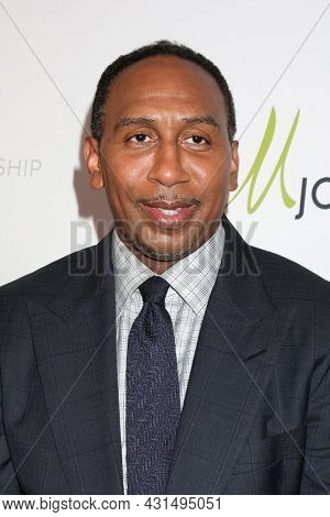 LOS ANGELES - AUG 20:  Stephen A Smith at the 21st Annual Harold and Carole Pump Foundation Gala at the Beverly Hilton Hotel on August 20, 2021 in Beverly Hills, CA