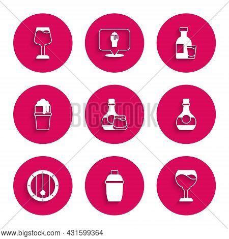 Set Whiskey Bottle And Glass, Cocktail Shaker, Wine, Bottle Of Cognac Or Brandy, Wooden Barrel, Glas