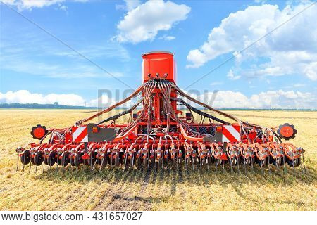 A Modern Multifunctional Agricultural Harrow And Device For Loosening The Soil And Optimal Condition