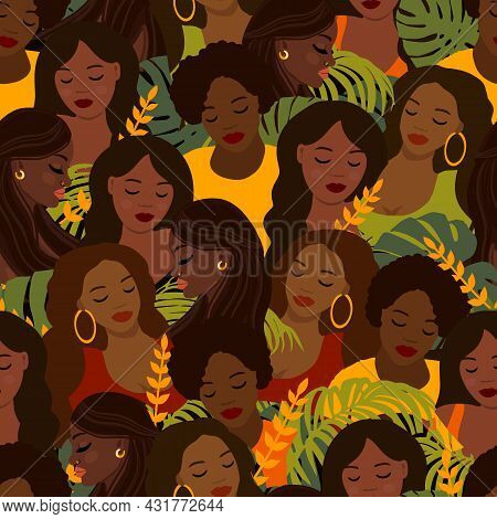 Seamless Pattern With Beautiful African Women, Black Ladys Repeating Texture. Trendy Walpaper. Vecto