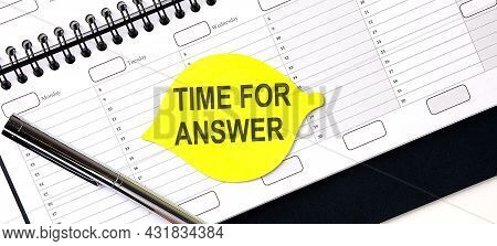 Text Time For Answer , On Yellow Sticker On Planning