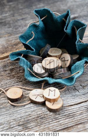 Handmade Runes For Fortunetelling In Leather Bag