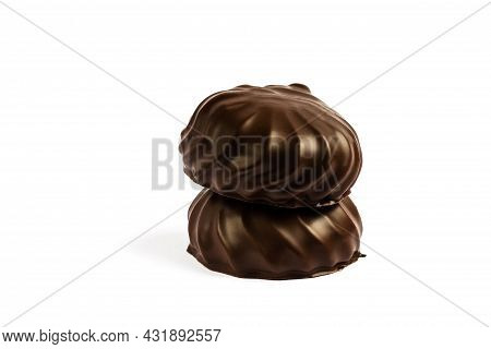 Chocolate Marshmallow, Chocolate Brownie In A White Plate. Isolated Of Marshmallow In Chocolate.