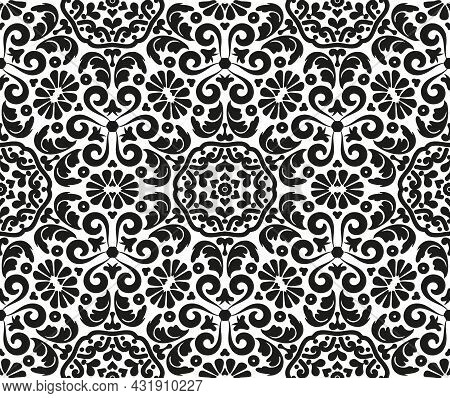 Damask Seamless Pattern With Vignettes. Rich Victorian Ornament For Textile, Wallpaper, Wrapping Or