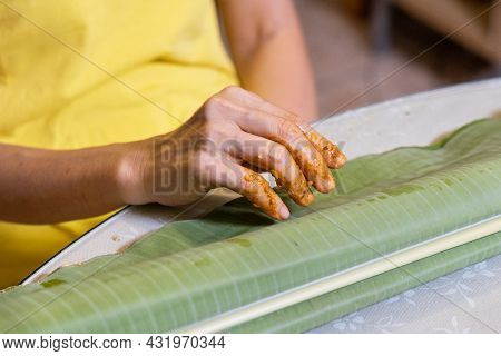 Person Folded The Banana Leaf Inward After Finishing The Meal As Sign Of Satisfied