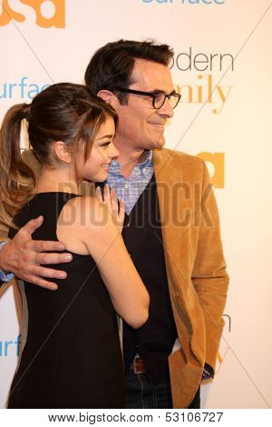 LOS ANGELES - OCT 28:  Sarah Hyland, Ty Burrell at the Modern Family on USA Network Fan Appreciation Event at Village Theater on October 28, 2013 in Westwood, CA
