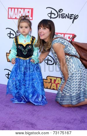 LOS ANGELES - OCT 1:  Lindsay Sloane, Maxwell Lue Rollins at the VIP Disney Halloween Event at Disney Consumer Product Pop Up Store on October 1, 2014 in Glendale, CA