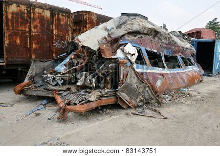 train crash by an accident