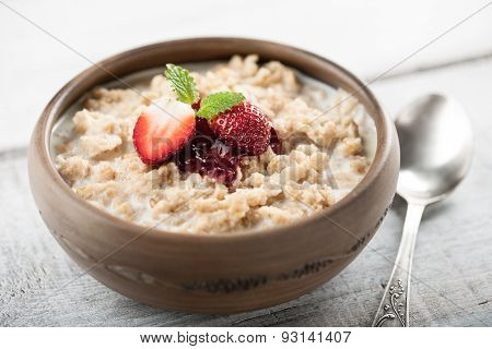 Breakfast Oatmeal With Milk