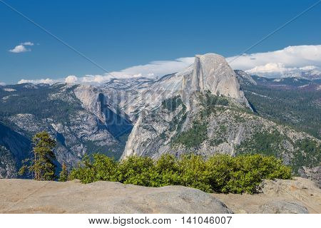 Panorama of lookout overlooking Yosemite's Half Dome