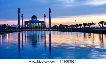 Sunset at Central Mosque Songkhla in Thailand.