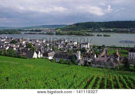 Rüdesheim am Rhein is a winemaking town in the Rheingau-Taunus-Kreis district in the Regierungsbezirk of Darmstadt in Hesse, Germany.
